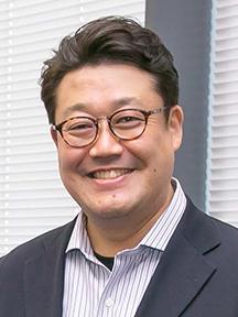 岡田 良太郎 氏